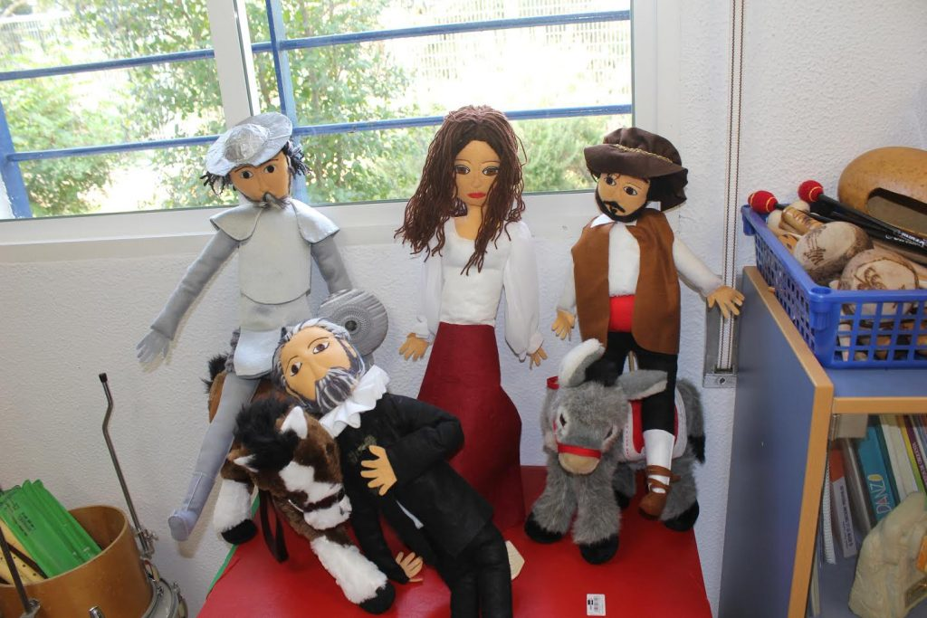 Muñecos | Vicens Vives