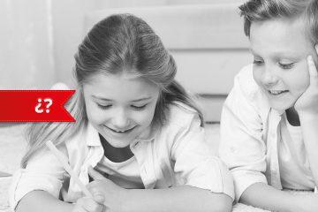 Dos niños en casa para ilustrar consejos de expertospara afrontar la cuarentena