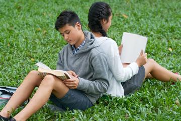 Educació literària